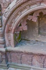 Tarves Medieval Tomb, Left arch detail