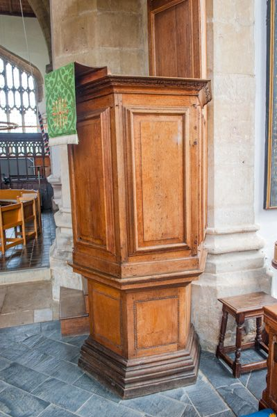 Thame, St Mary's Church photo, The 17th century pulpit