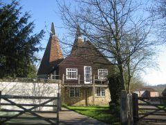 The Old Oast on Stream Lane (c) Oast House Archives