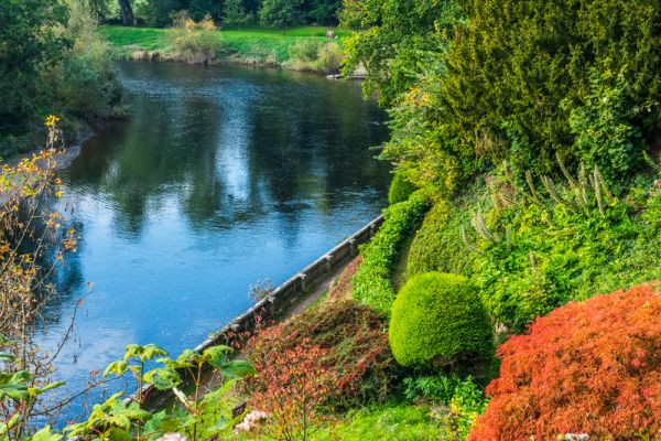 The Weir Garden photo, The River Wye and autumn colours