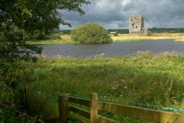 Threave Castle photo, First glimpse of the castle