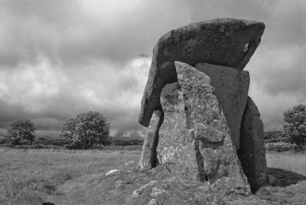Trethevy Quoit photo, The quoit 2