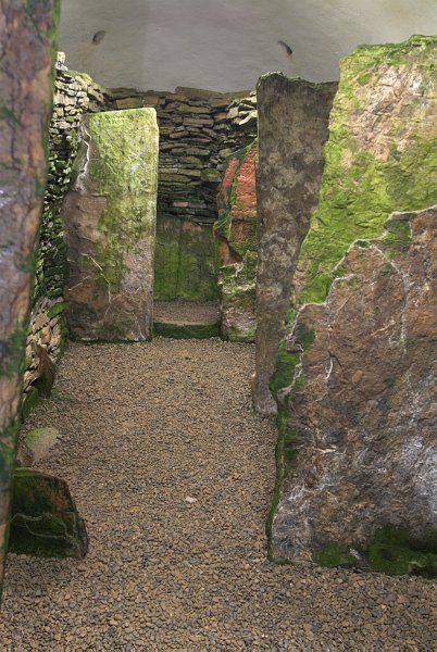 Unstan Chambered Cairn photo, The central passage inside the tomb