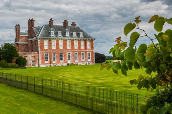 Uppark photo, The side elevation