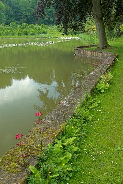 Upton House photo, The garden pool