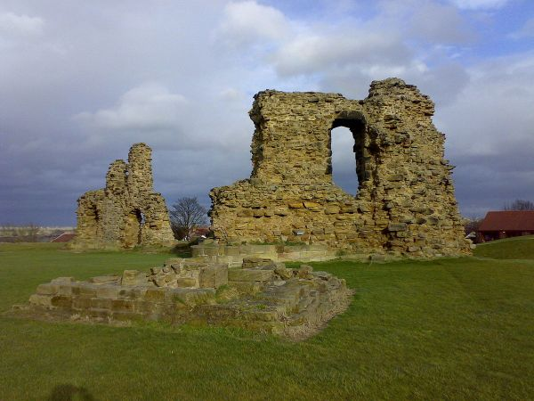 Wakefield photo, Sandal Castle (c) Abcdef123456