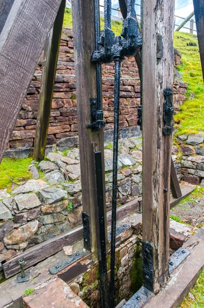 Wanlockhead Beam Engine photo, A closer look at the shaft mechanism