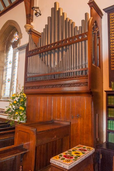 Chapel of St Lawrence, Warminster photo, The Victorian organ