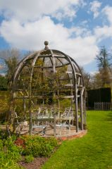 Waterperry Gardens, A lovely summerhouse in the gardens