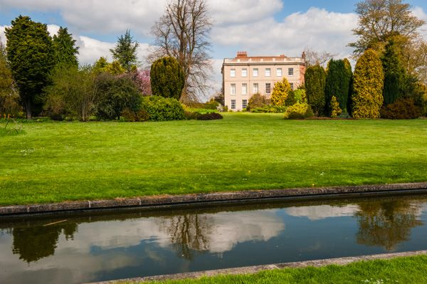 Waterperry Gardens photo, The house and formal canal