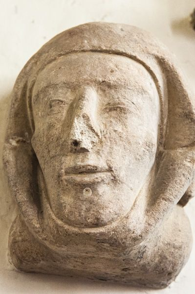 Waterperry, St Mary's Church photo, Carved head of Emma Luvel de Peri, 1175