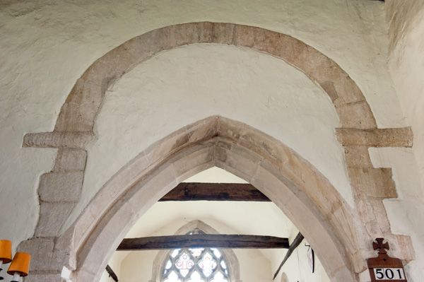 Waterperry, St Mary's Church photo, Saxon chancel arch (above)
