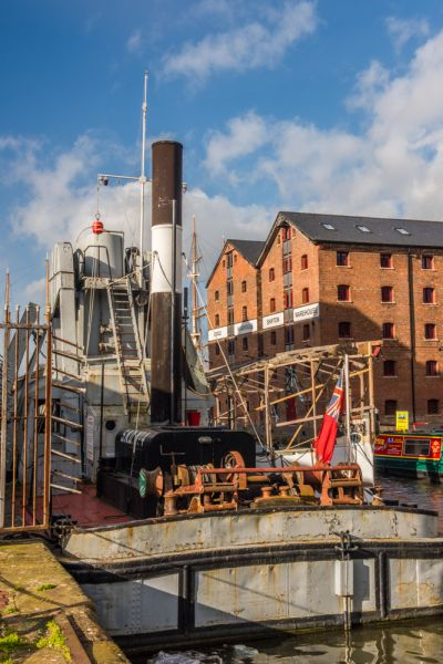 Gloucester Waterways Museum photo, The steam-powered dredger at dock