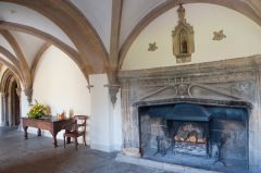 Wells Bishop's Palace, Medieval fireplace in the entrance hall