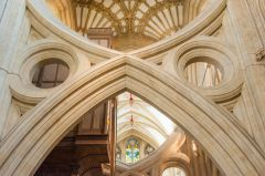 Wells Cathedral, Strainer arches close-up