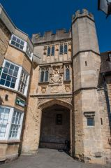 Wells, Penniless Porch