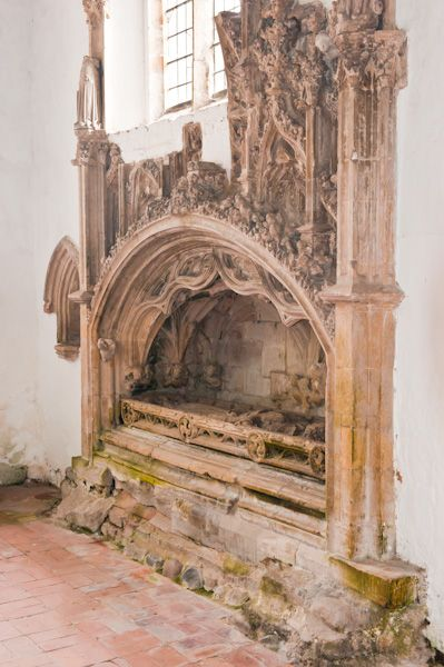 Welwick, St Mary's Church photo, De la Mere 14th century tomb
