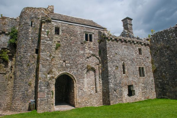 Weobley Castle photo, 15th century east block