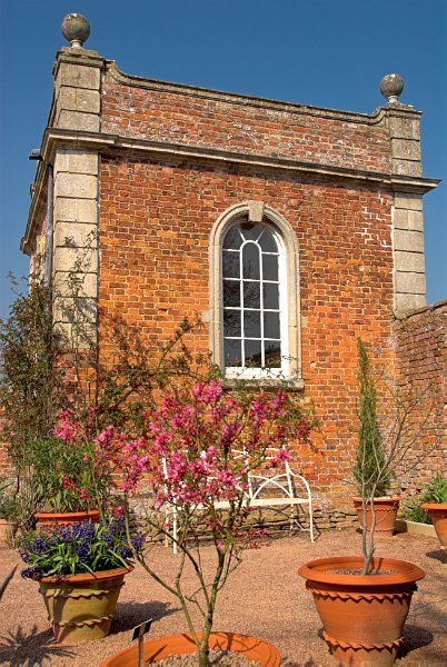 Westbury Court Garden photo, The summer house