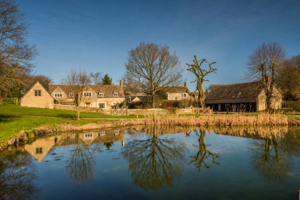 Westwell photo, Another view of the village pond