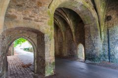 Whalley Abbey Gatehouse, Under the gatehouse