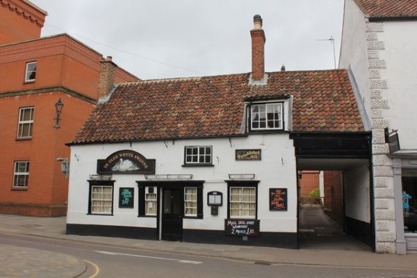 Louth photo, Olde Whyte Swanne, 1612 (c) Jo Turner