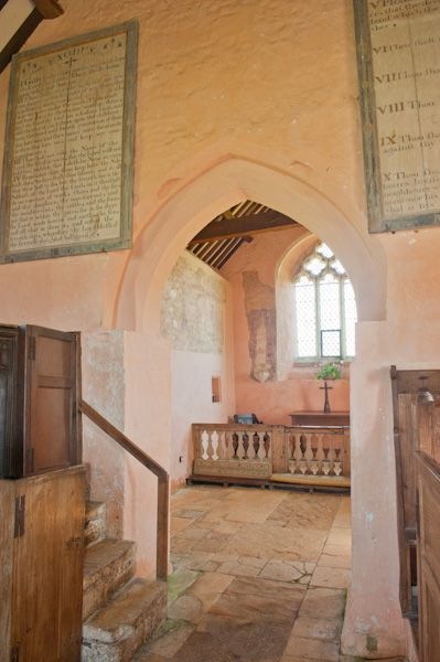 Widford, St Oswald's Church photo, Chancel arch