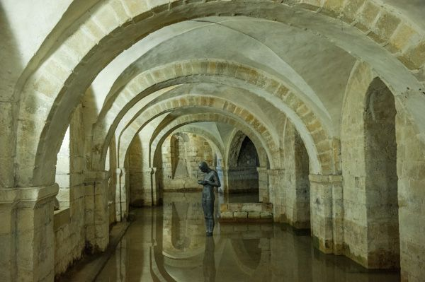 Winchester Cathedral photo, The crypt