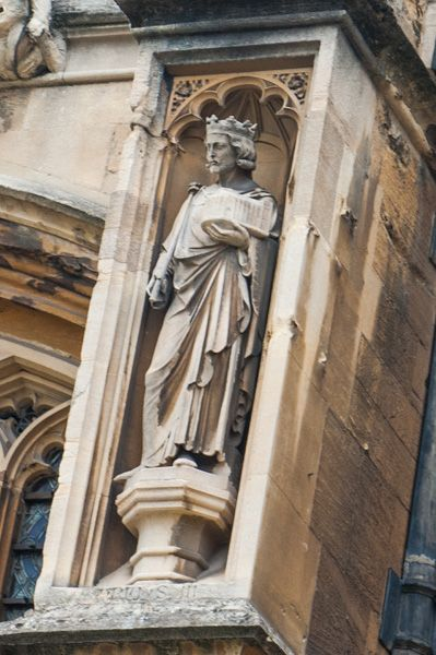 St George's Chapel photo, Statue niche, south wall