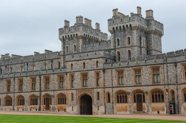 Windsor Castle photo, Visitors Apartments in the Upper Ward