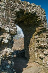 Ruined doorway arch to the interior