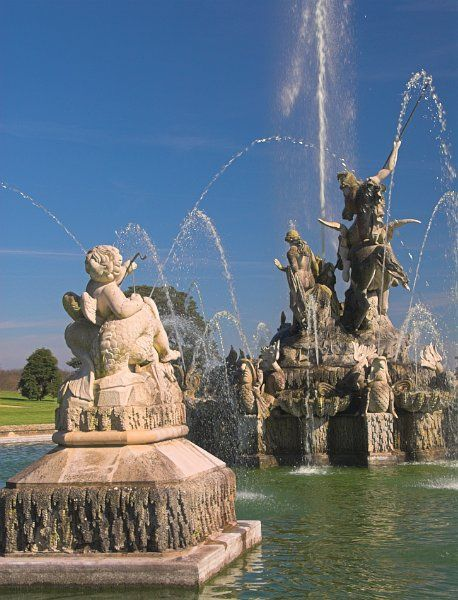 Witley Court photo, Garden fountains operating