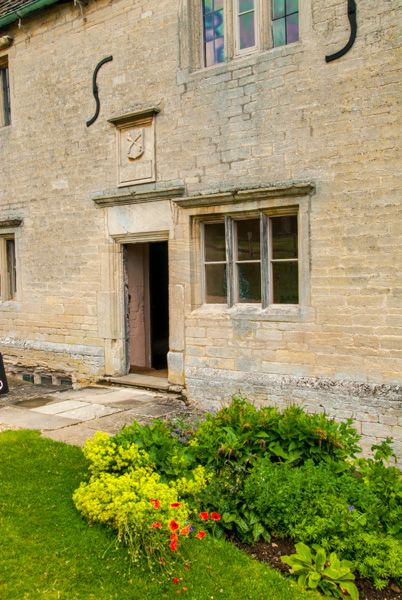Woolsthorpe Manor photo, The manor house entrance