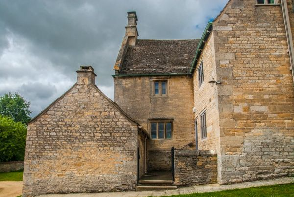 Woolsthorpe Manor photo, Part of the manor complex of farm buildings