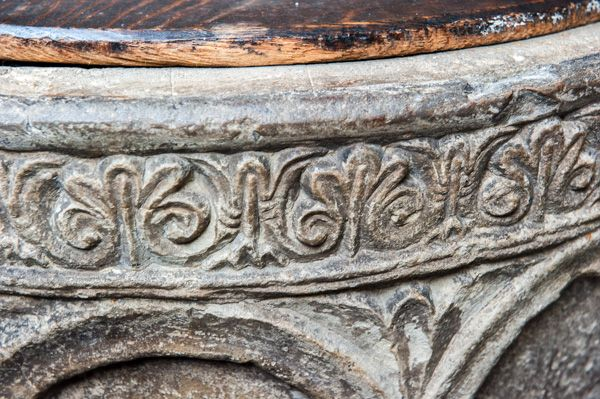 York, St Helen Stonegate photo, Foliage carving on the font rim