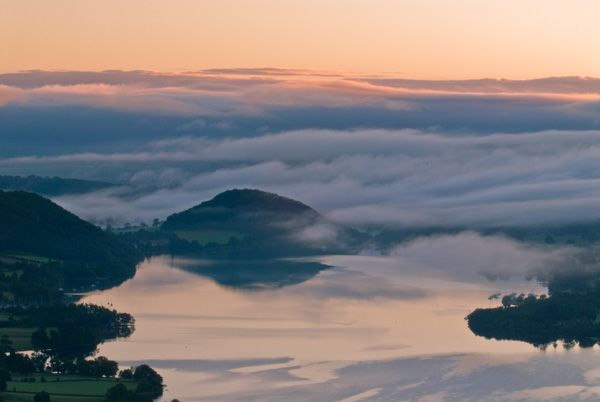 Pooley Bridge photo, Pooley Bridge and Ullswater sunrise