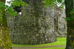 Old Inverlochy Castle, Ruins of the barbican tower