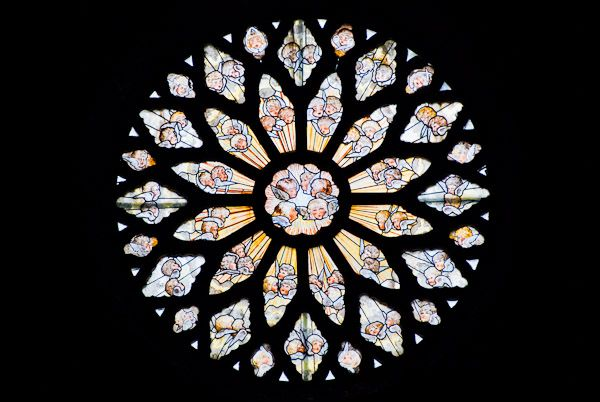 Rose Window Definition Illustrated Dictionary Of British