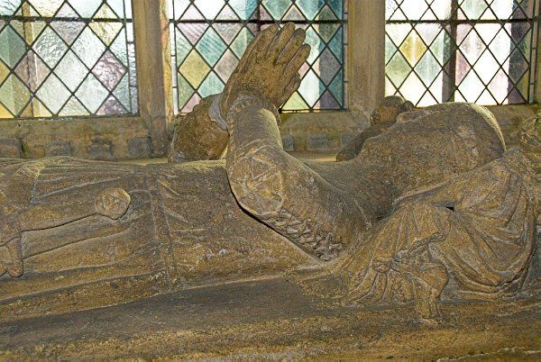 Longborough, St James photo, The south transept features the tomb of a 14th century knight and lady