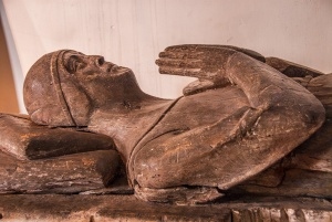 1325 effigy of Sir John de Hastings