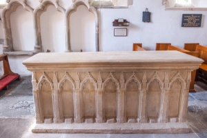 Lady Margaret Giffard tomb, 1338