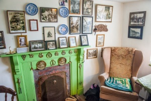 Fisherman's Cottage parlour