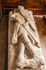 Sir Giles de Braose effigy