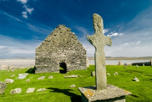 Kilnave Chapel and Cross