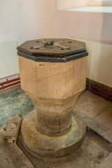 1662 font on medieval base