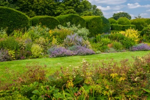 Herbaceous borders and topiary hedges