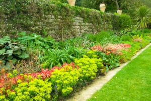 A formal garden border
