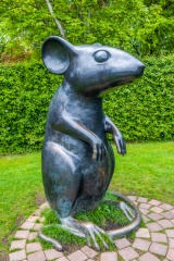 Mouse sculpture by Kenny Hunter