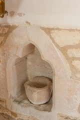 Piscina bowl and niche