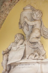 Cherubs on Henry Hoare II memorial